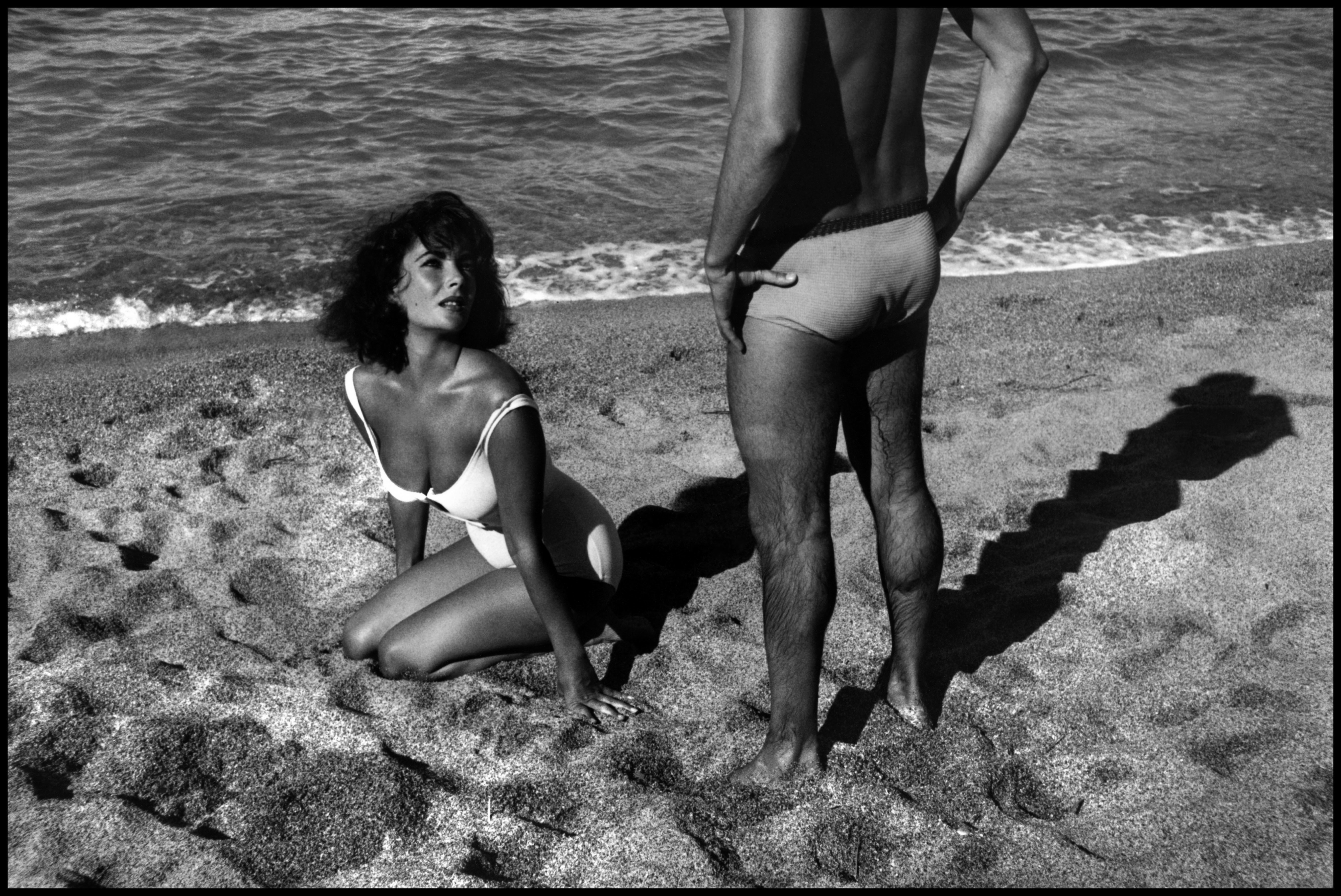 """SPAIN. Sagaro. 1959. Twenty-five-year-old Elizabeth TAYLOR on the set of """"Suddenly Last Summer"""", in which she co-stars with Katharine Hepburn and Montgomery Clift.  It is Taylor's first film after the death of her 3rd husband, Mike Todd, in a plane crash. Just months after Todd's death, Taylor married Eddie Fisher and found herself at the center of a scandal. It was a place that would become familar for her, though never comfortable, for the next 30 years."""