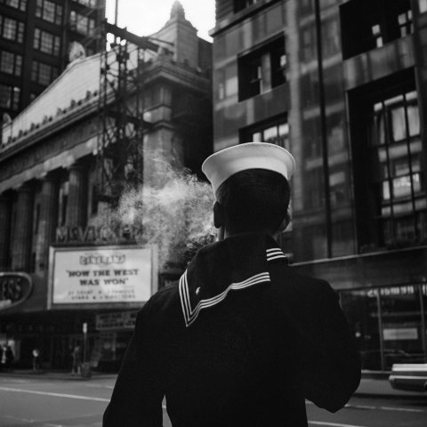 SAILOR CHICAGO 1966, 12 X 12 IN (IMAGE), 20 X 16 IN (PAPER) MODERN GELATIN SILVER PRINT, LTD. ED. OF 15 0119277