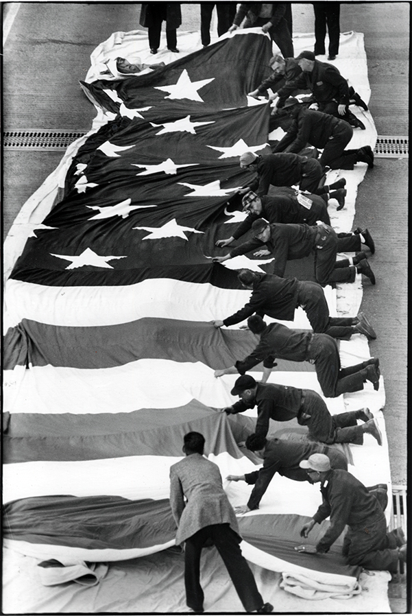 Unfurling the largest American flag
